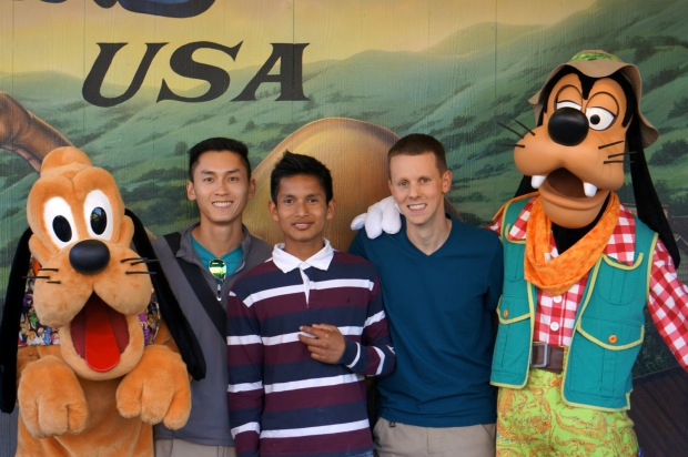 Pluto, Minh, Pepe, Justin and Goofy at Animal Kingdom